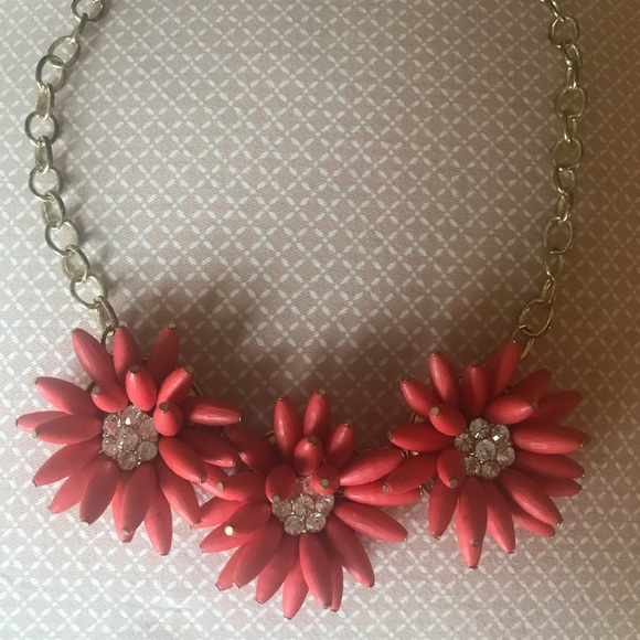 Jewelry bright pink flower design necklace poshmark bright pink flower design necklace mightylinksfo